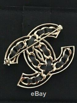 100% Authentic 2019 Iconic Chanel CC Logo Gold Leather Pin Brooch