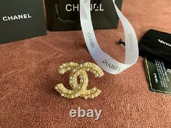 100% Authentic CHANEL LARGE CLASSIC CC LOGO PEARL BROOCH PIN