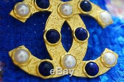 100% Authentic Chanel Brooch Pin Gold toned Metal 1,5/2 inch logo cc