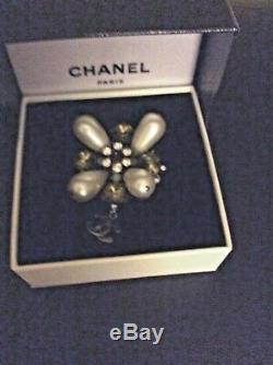 100% Authentic Chanel CC Brooch Pin / Pendant