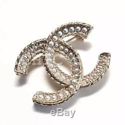 100% authentic BN CHANEL pearl encrusted brooch cc logo stud matte gold tone