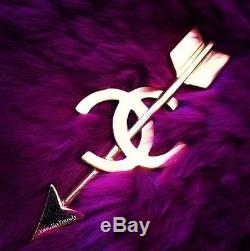 1000% Authentic CHANEL 2008 arrow CC Chanel pin