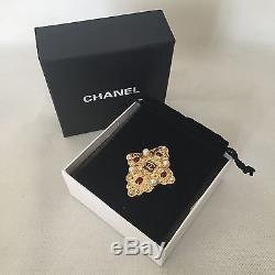 $1500 CHANEL CC Logo PIN BROOCH Gold Pearl Classic Paris Bombay RARE! Jewelry