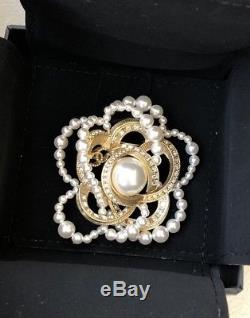 18p Chanel Large Golden Camellia White Pearls And Crystals Brooch