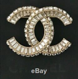 2018 Iconic Chanel Crystal Baguette CC Logo Pin Brooch