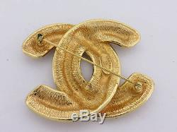 AUTH CHANEL VINTAGE MATELASSE CC BIG BROOCH GOLDTONE withBOX