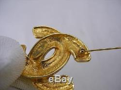 AUTH CHANEL VINTAGE MATELASSE CC GOLDTONE BROOCH withBOX EY728