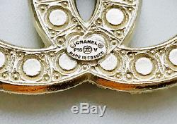 AUTH NIB CHANEL Costume Pearl & Crystal Strass Gold tone CC LOGO BROOCH PIN