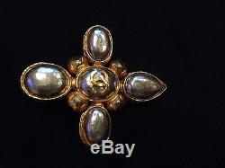 AUTHENTIC CHANEL CC Logo Pearl Classic Stunning PIN BROOCH $975.00