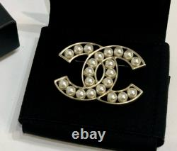 Auth Chanel CC White Pearl Brooch Pin Gold Dress Hair Jewelry New In Box