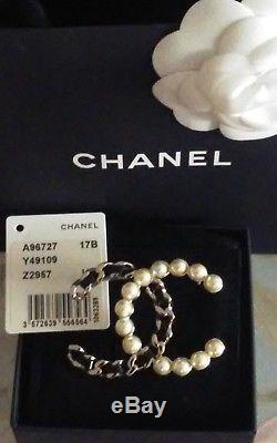 Authentic 2017 Nwt Chanel Pin Brooch CC Logo Pearl & Black Leather Classic Rare