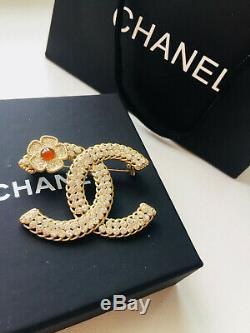 Authentic CHANEL CC Brooch Mark with Rhinestone Clover pin