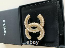 Authentic CHANEL Large Cc Pearls and Crystals Gold Pin Chanel White Pearl Brooch