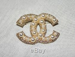 Authentic CHANEL Large Pearl/Crystal CC Logo Gold-Tone Metal Pin Brooch