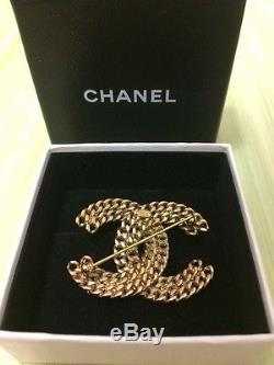 Authentic CHANEL Pearl Gold Chain Link Brooch 03A With Box