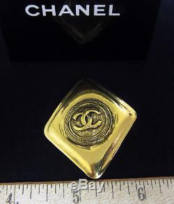 Authentic CHANEL Vintage CC Logos Brooch Pin Gold-Tone