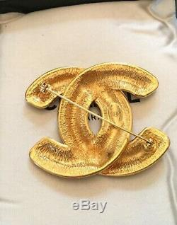 Authentic Chanel Brooch Vintage CC Mark Brooch Gold tone