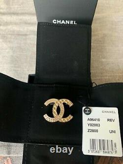 Authentic Chanel CC Brooch Medium Size, Never worn, but tarnished