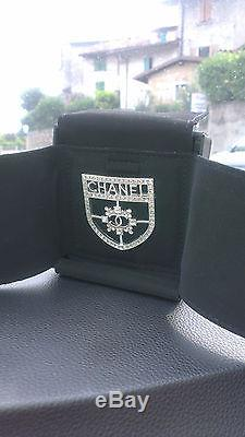 Authentic Chanel Crest Crystals Pin Brooch new in box