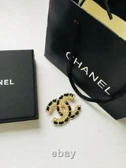 Authentic Chanel brooch New April grass leather brooch