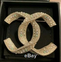 Authentic Classic CC Logo Chanel Brooch in Perfect Condition