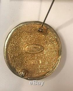 Authentic Vintage Chanel Pin 31 Rue Cambon logo Round Gold Brooch