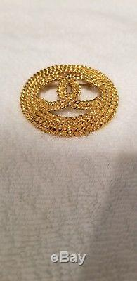 Authentic Vintage Chanel pin brooch Chain CC logo double C Large