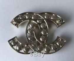 BN A18 CHANEL large CC CRYSTAL & PEARL BROOCH gold plated BOX AND BAG ETC