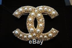 BNIB Authentic CHANEL Large Classic Crystal/Pearls CC Logo Gold Metal Brooch/Pin