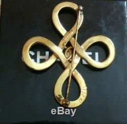 CHANEL Authentic Vintage Cross CC Logos Brooch Pin Gold-Tone