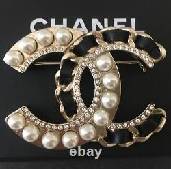 CHANEL CC LOGO PEARLS CRYSTALS BLACK LEATHER BROOCH PIN LARGE Sz 2 x 1.5