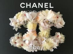 CHANEL CC LOGO SILK MULTI FLOWERS LEATHER PIN BROCH FRANCE COUTURE XXL 3.5 x 2.5