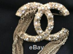 CHANEL CC Logo Brooch Pin Pearls, Chains Gold Tone Metal Made In France EUC