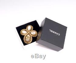 CHANEL CC Logo Pearl Cross Vintage Brooch Gold Tone Pin 94A withBOX #30
