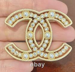 CHANEL CC Pearl Crystal Sparkling Pearls Large Brooch Gold / M206-F248