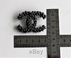 CHANEL CC Small Vintage Style Brooch Faux Pearl Stones