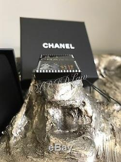 CHANEL Coco Suite Brooch Black Gold Pearl 17A Button Needle Thread Pin NEW NWT