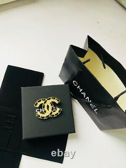 CHANEL Crystal LARGE BROOCH PIN CC LOGO WOVEN BLACK LEATHER/ GOLD MET