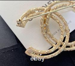 CHANEL Faux Pearl Gold Brooch (With Marking / AB0130Y47486Z8905) Authentic