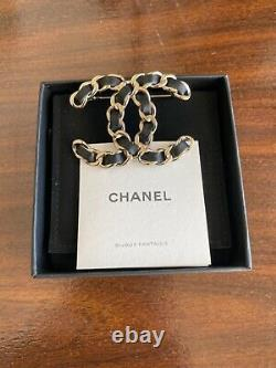 Chanel CC 21V Gold Metal Black Leather Brooch Jewellery Authentic New In Box