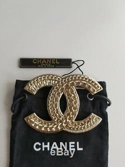 Chanel Cc Chain -Lain Brooch. Gold-Tone Metal. Condition Very Good