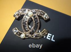 Chanel Fashion Brooch Pin CC Logo