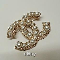 Chanel Gold Metal CC Pearl Brooch Pin Badge