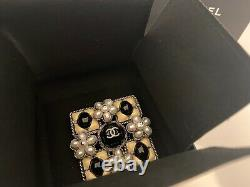 Chanel glass and pearl gripoix brooch