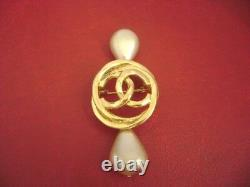 Chanel vintage cc logo with crystal pearl pin brooch