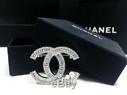 Classic Chanel Brooch CC Logo 18k white gold Crystal with pearls flower Pin