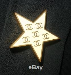 Cute! Authentic CHANEL Brooch / Badge Small Beige Star CC Logos Golden 01P + Box