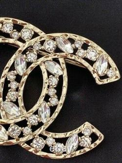 Gorgeous Classic Chanel Gold Tone CC Logo Crystal Large Brooch Pin