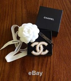 Mint CC CHANEL golden tone pearl pin brooch medium sz with box, bag and tag