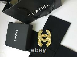 NEW CC Classic Chanel brooch Sparkling Crystal 18k gold
